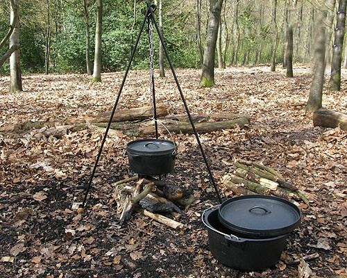 dutch-oven-forest-schools
