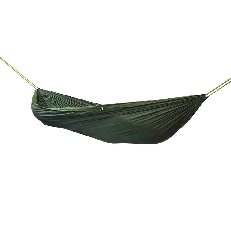 forest-schools-camping-hammock